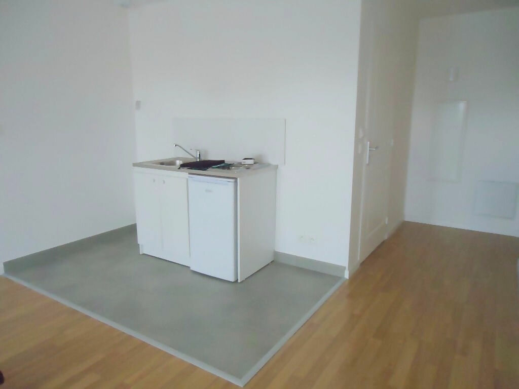Appartement à louer 1 31m2 à Le Havre vignette-2