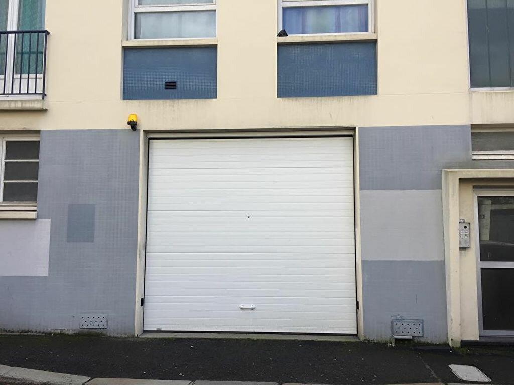 Stationnement à louer 0 7m2 à Le Havre vignette-1