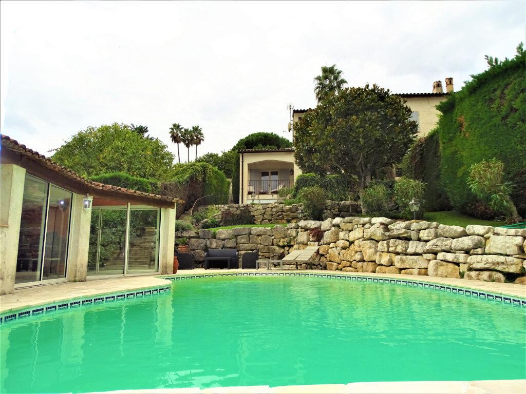 Maison à vendre 6 125m2 à Saint-Paul-de-Vence vignette-2
