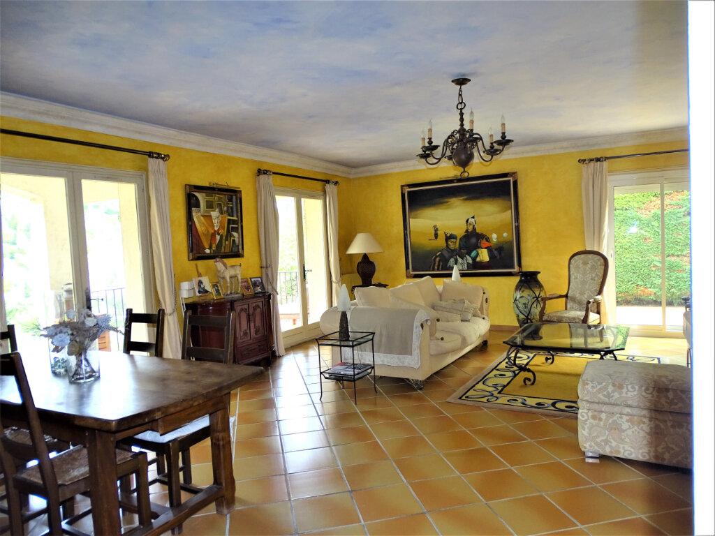 Maison à vendre 6 125m2 à Saint-Paul-de-Vence vignette-5