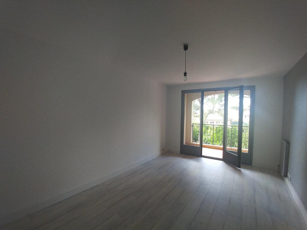 Appartement à louer 2 45.82m2 à La Colle-sur-Loup vignette-2