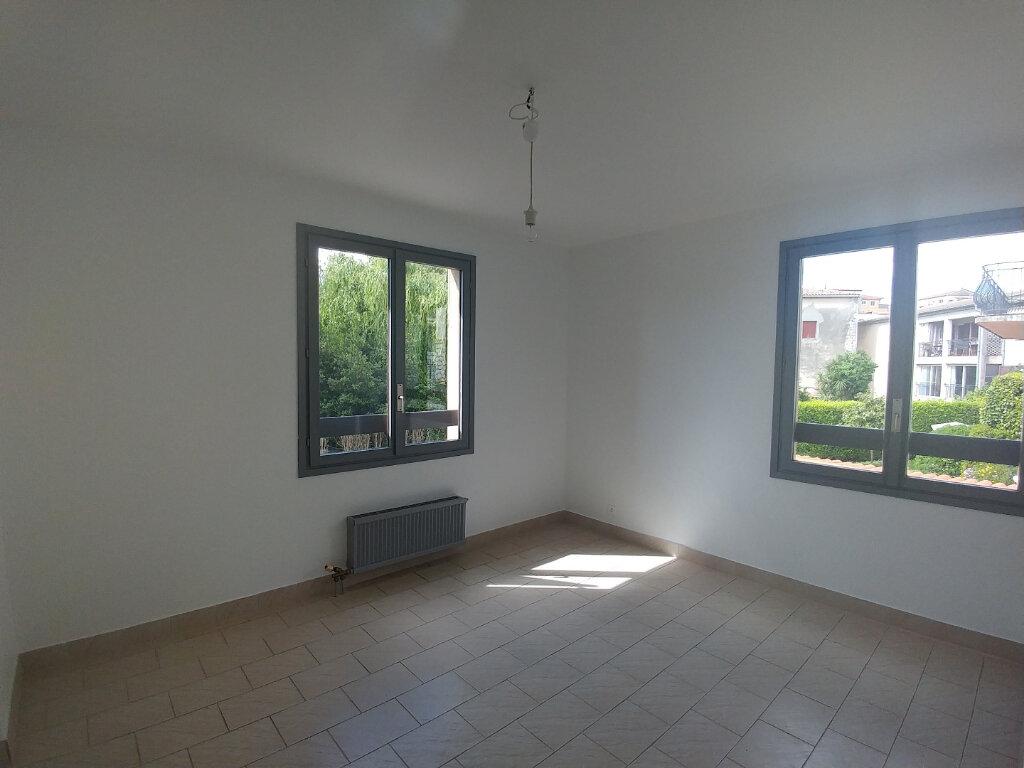 Appartement à louer 2 45.82m2 à La Colle-sur-Loup vignette-4