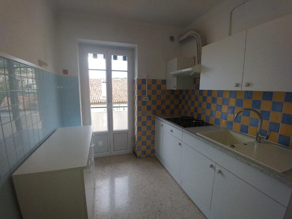 Appartement à louer 3 61.97m2 à La Colle-sur-Loup vignette-3