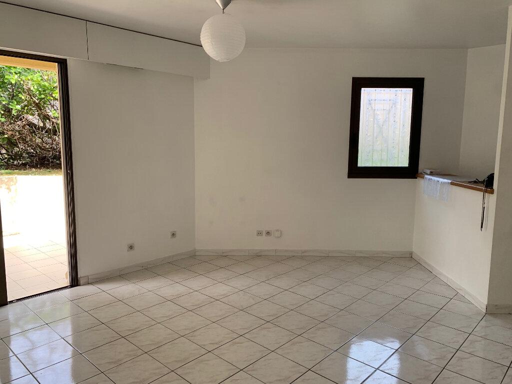Appartement à louer 3 58m2 à Vence vignette-1
