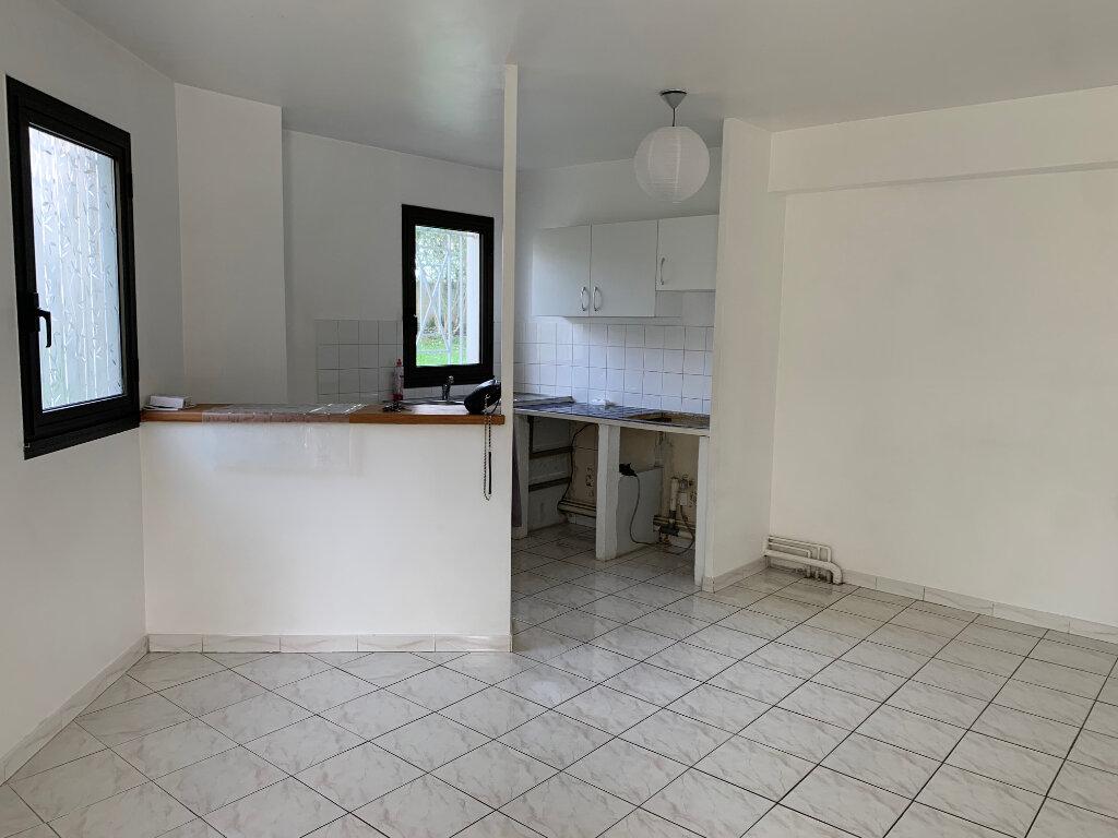 Appartement à louer 3 58m2 à Vence vignette-3
