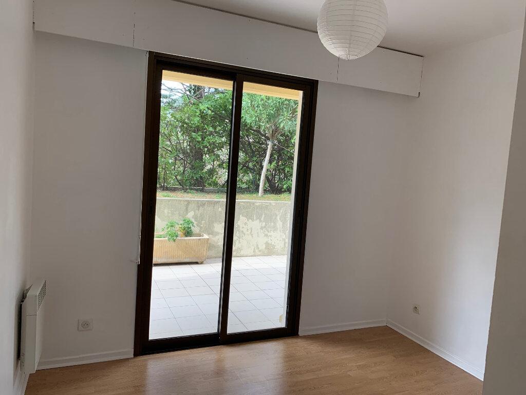 Appartement à louer 3 58m2 à Vence vignette-5