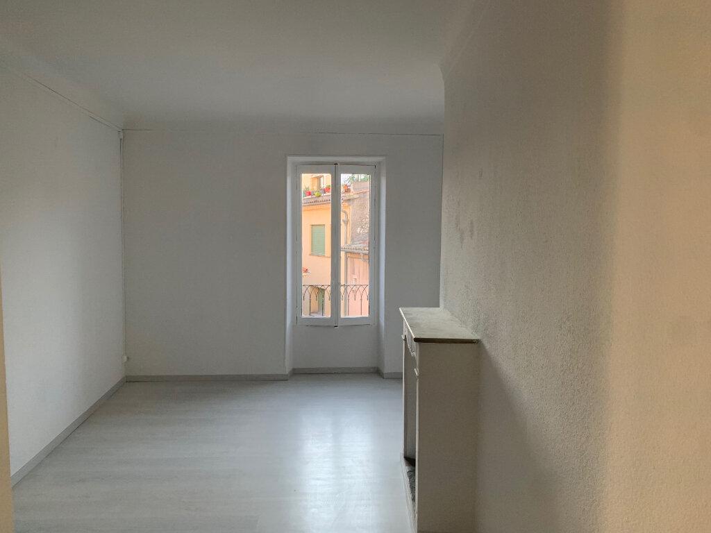 Appartement à louer 4 76m2 à Vence vignette-4