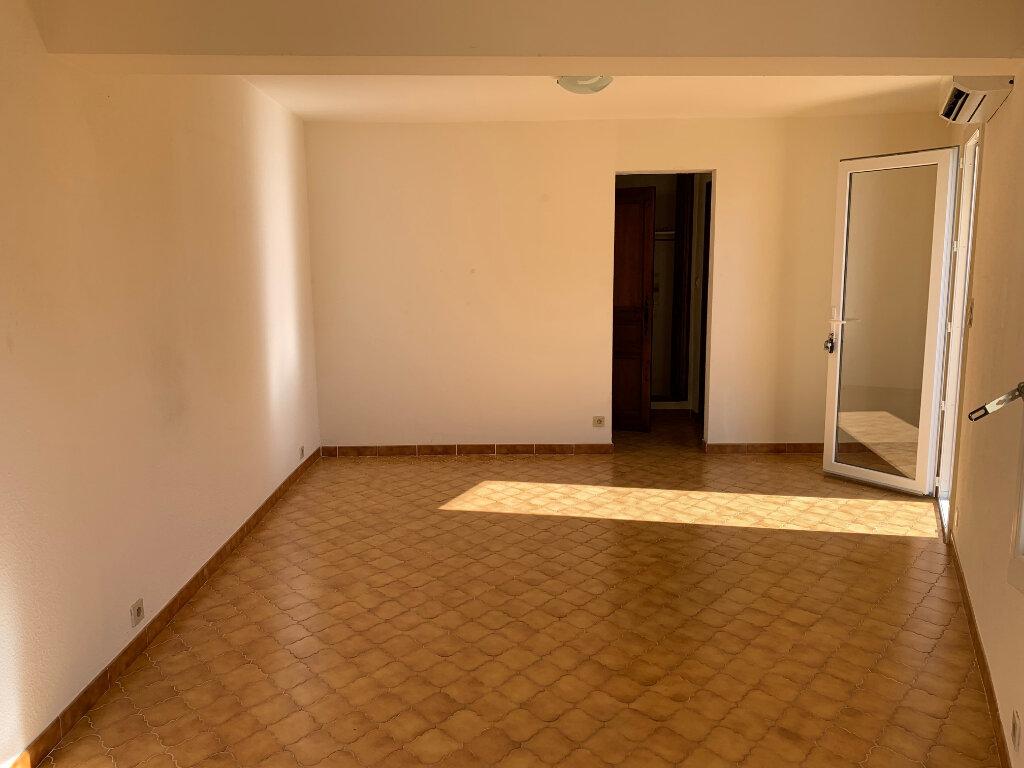 Appartement à louer 1 30m2 à Vence vignette-2