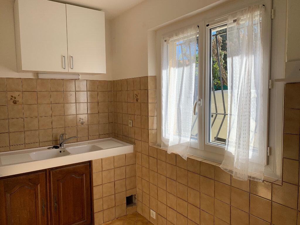 Appartement à louer 1 30m2 à Vence vignette-4