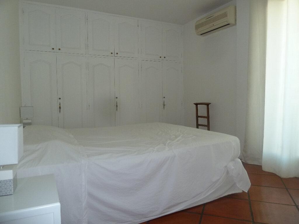 Appartement à vendre 4 117.53m2 à Vence vignette-12