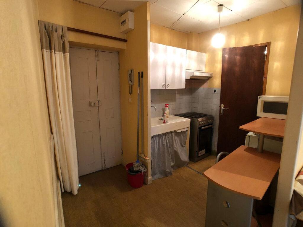 Appartement à louer 1 20m2 à Mende vignette-6