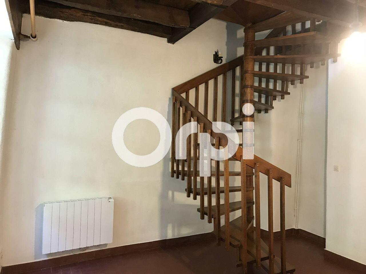 Appartement à louer 2 35m2 à Bagnols-les-Bains vignette-1