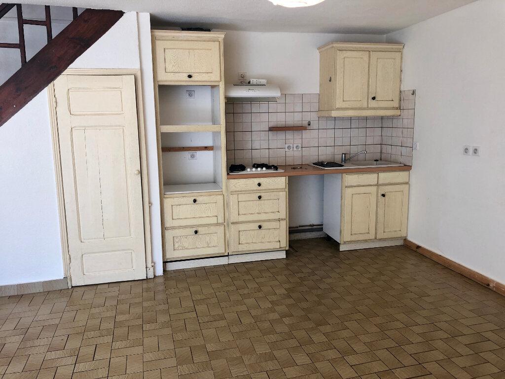 Maison à louer 6 100m2 à Esclanèdes vignette-6