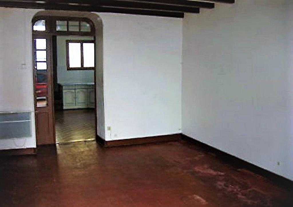 Maison à louer 4 104m2 à Roquefort vignette-4