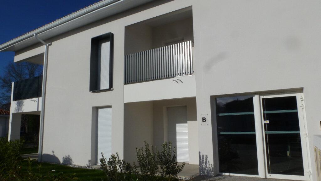 Appartement à louer 4 80.96m2 à Saint-Martin-de-Seignanx vignette-6