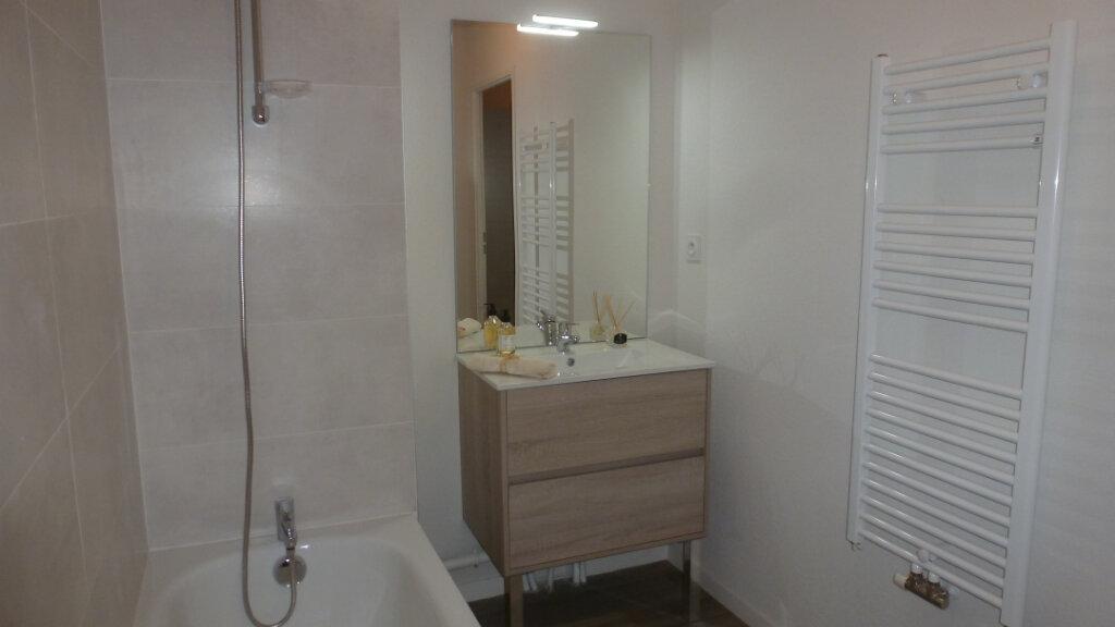Appartement à louer 4 80.96m2 à Saint-Martin-de-Seignanx vignette-7