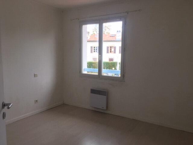 Appartement à louer 4 87m2 à Bayonne vignette-3