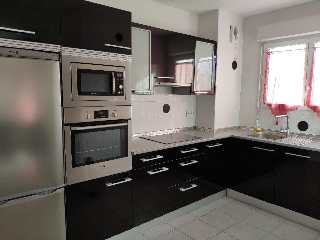 Appartement à louer 3 61m2 à Saint-Martin-de-Hinx vignette-2