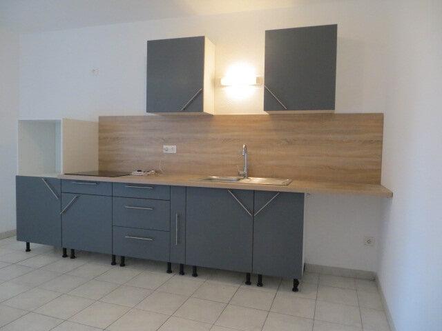 Appartement à louer 3 56m2 à Olonzac vignette-2