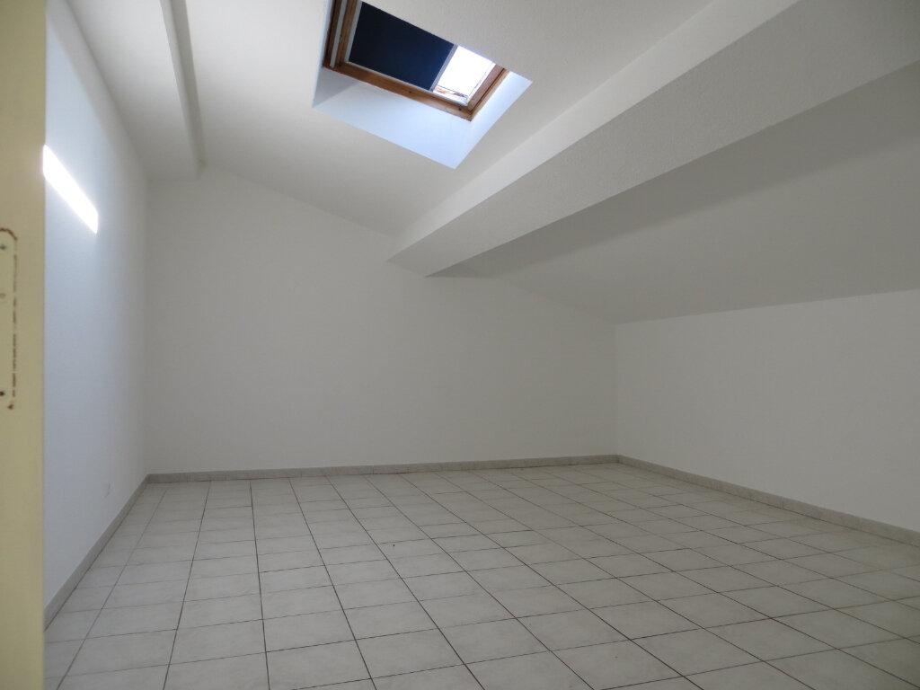 Appartement à louer 3 56m2 à Olonzac vignette-3