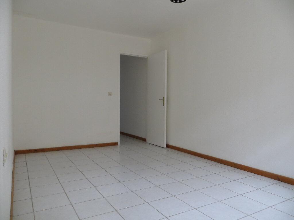 Appartement à louer 3 60m2 à Ornaisons vignette-7