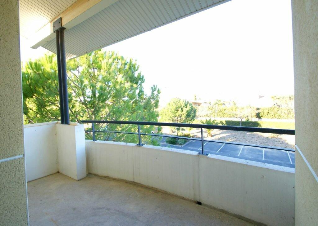 Appartement à louer 2 35.41m2 à Béziers vignette-2