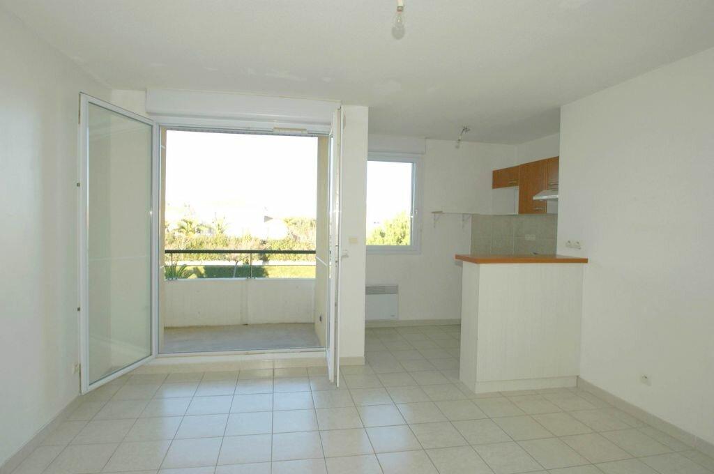 Appartement à louer 2 35.41m2 à Béziers vignette-3