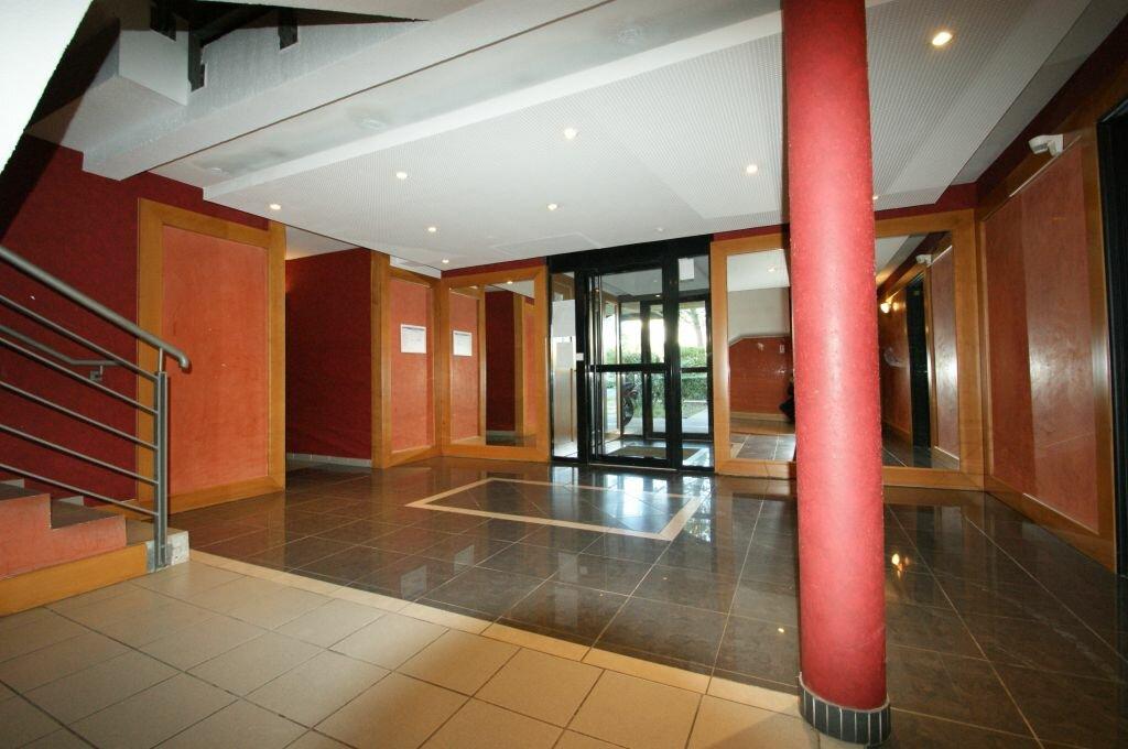 Appartement à louer 2 35.41m2 à Béziers vignette-8
