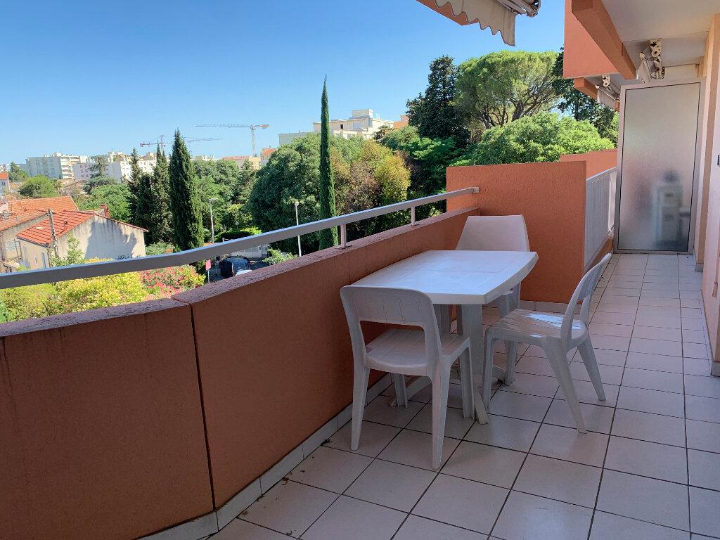 Appartement à louer 2 52.12m2 à Montpellier vignette-2