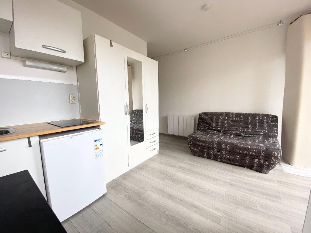 Appartement à louer 1 16m2 à Montpellier vignette-1