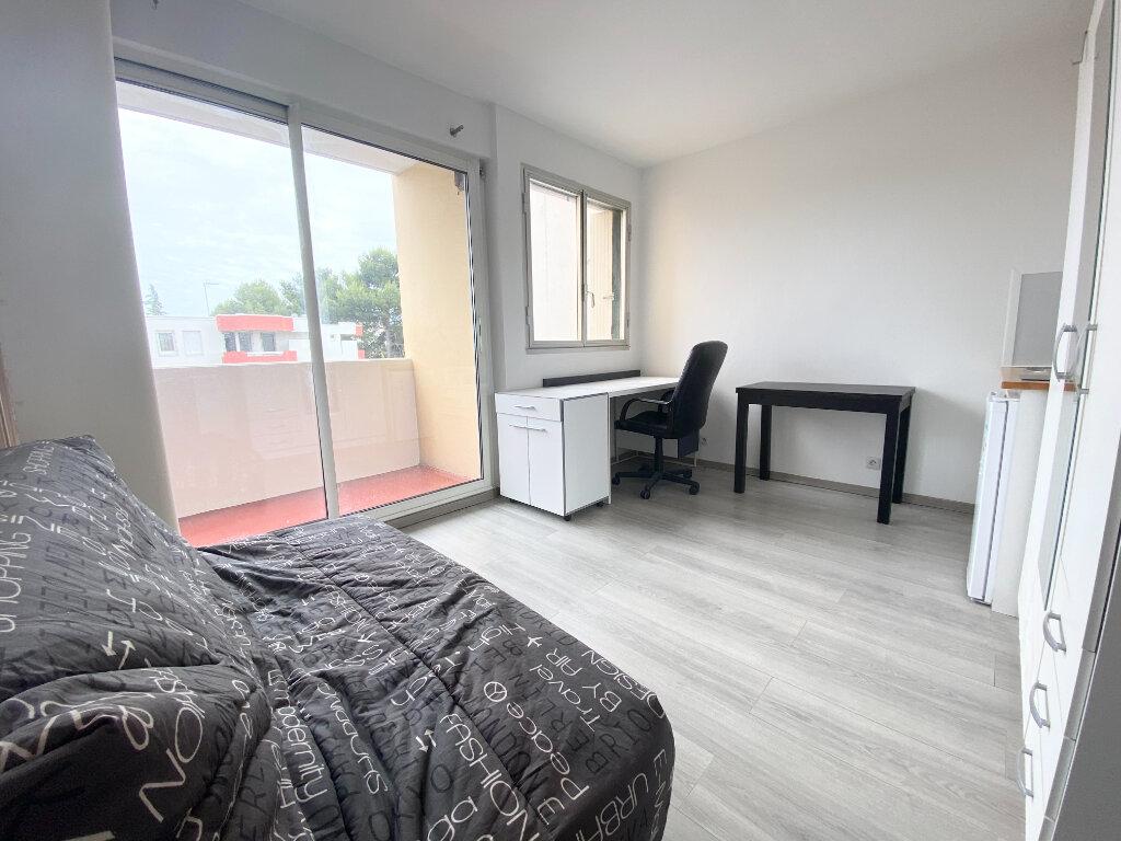 Appartement à louer 1 16m2 à Montpellier vignette-2