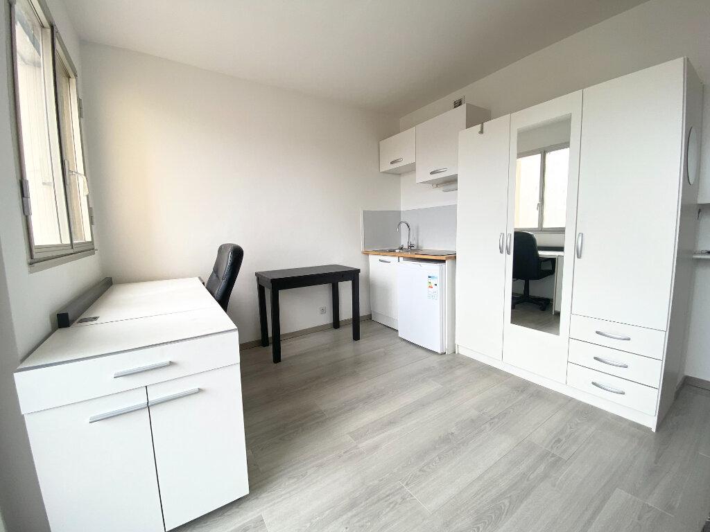Appartement à louer 1 16m2 à Montpellier vignette-3