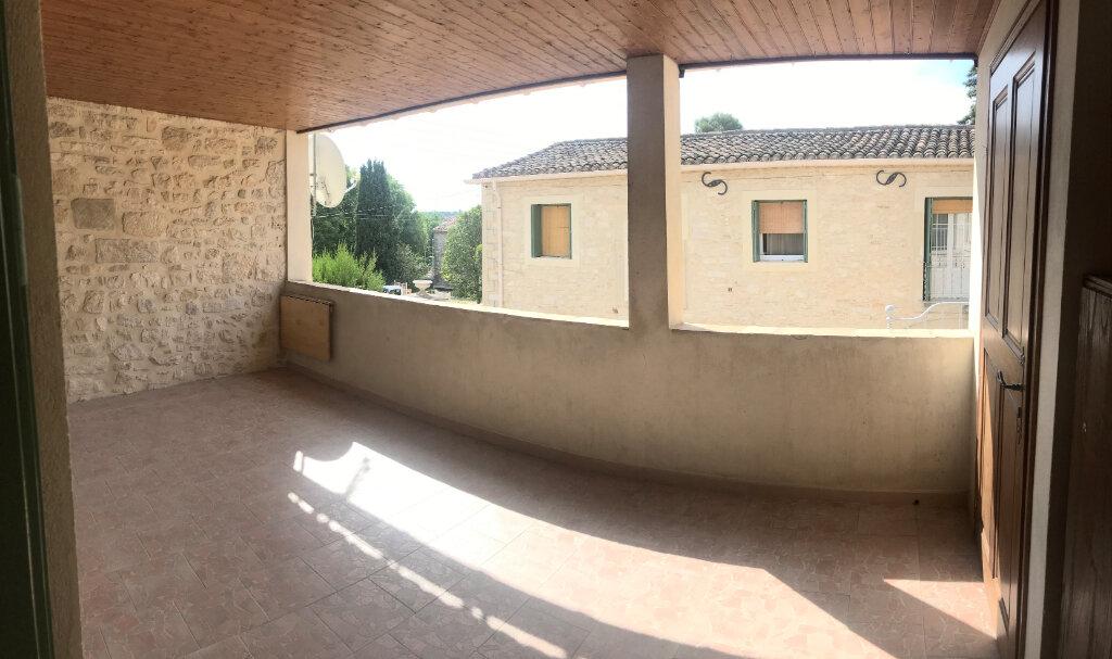 Appartement à louer 3 63m2 à Saussines vignette-1