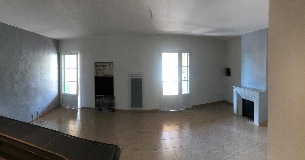 Appartement à louer 3 63m2 à Saussines vignette-3