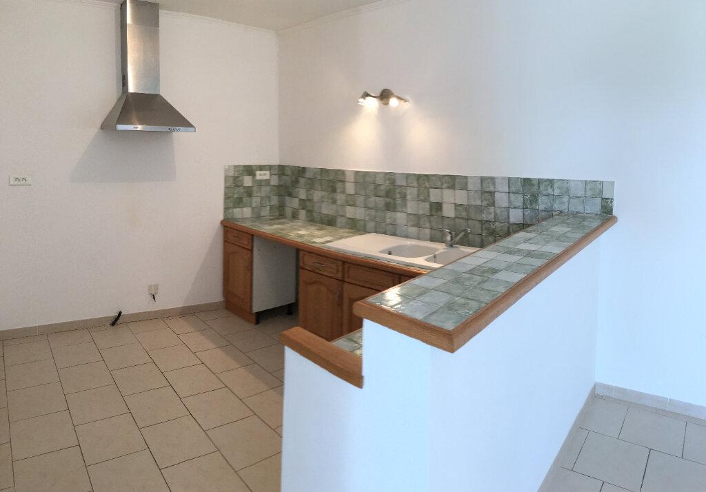 Appartement à louer 4 104.6m2 à Saussines vignette-4