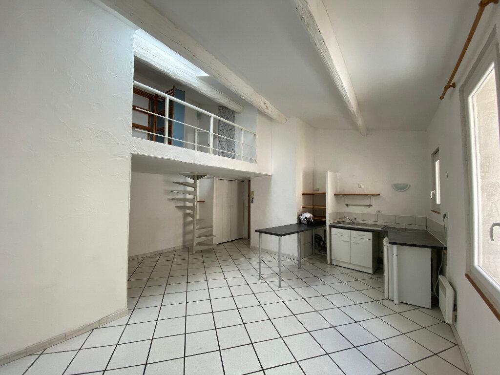 Appartement à louer 1 38m2 à Montpellier vignette-1