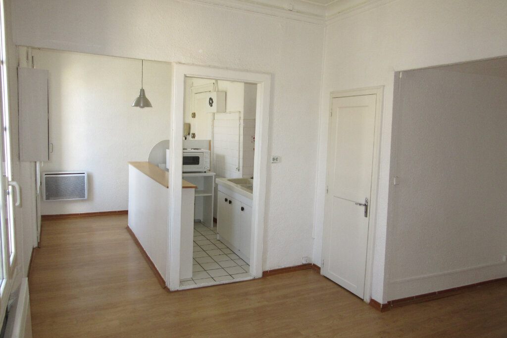 Appartement à louer 1 28m2 à Montpellier vignette-1