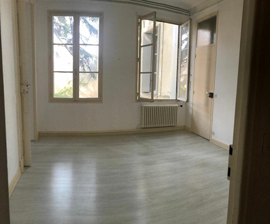 Appartement à louer 4 149m2 à Montpellier vignette-5