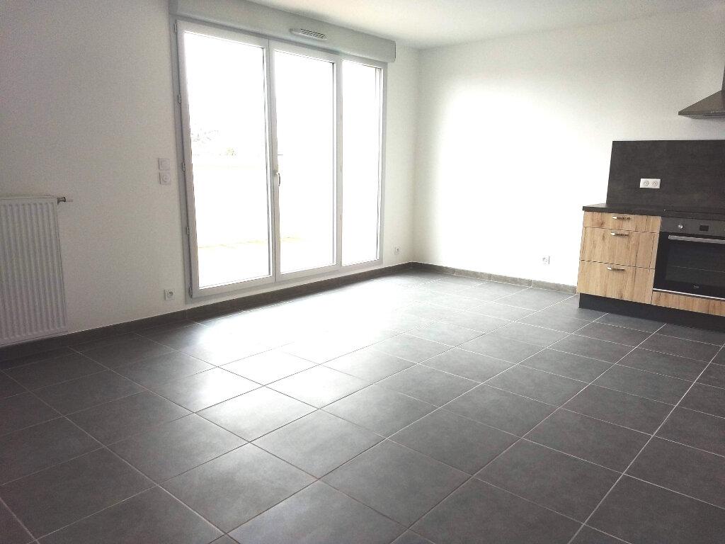 Appartement à louer 4 83.8m2 à Tournefeuille vignette-5