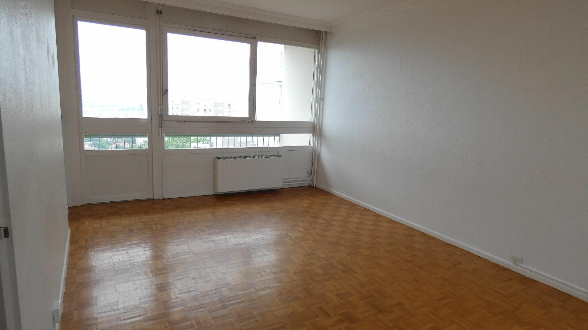 Appartement à louer 3 69.56m2 à Oullins vignette-1