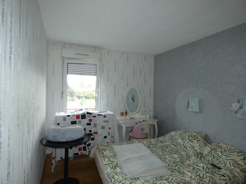 Appartement à louer 2 47.85m2 à Saint-Genis-Laval vignette-3