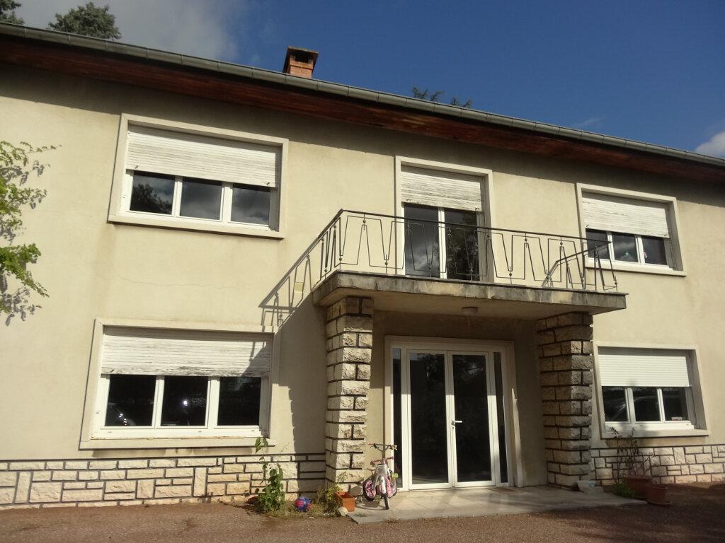 Maison à louer 7 215m2 à Saint-Genis-Laval vignette-15