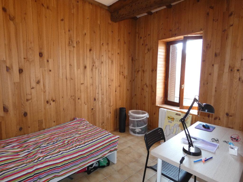 Appartement à louer 2 25.8m2 à Saint-Genis-Laval vignette-4