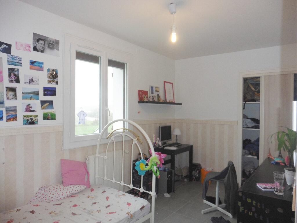 Maison à louer 5 133.98m2 à Saint-Genis-Laval vignette-4