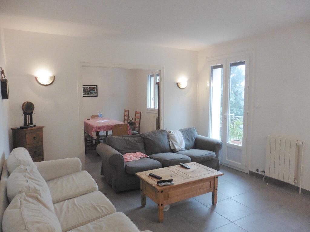 Maison à louer 5 133.98m2 à Saint-Genis-Laval vignette-5