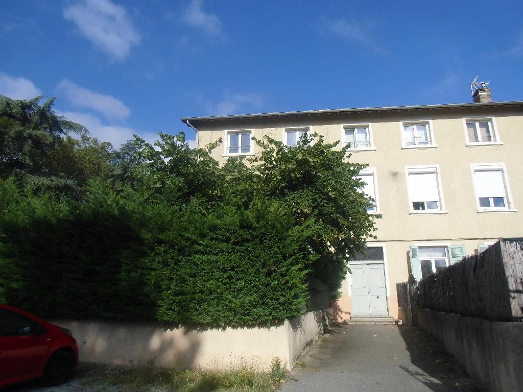 Appartement à louer 2 35.62m2 à Saint-Genis-Laval vignette-1