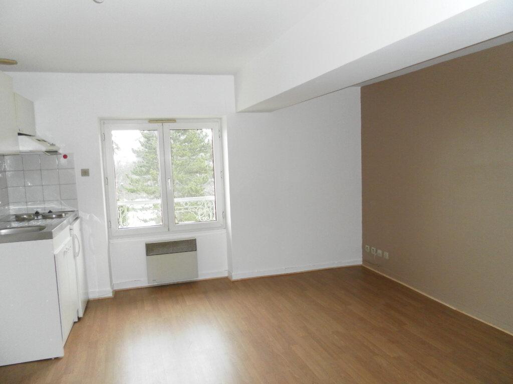 Appartement à louer 2 35.62m2 à Saint-Genis-Laval vignette-2