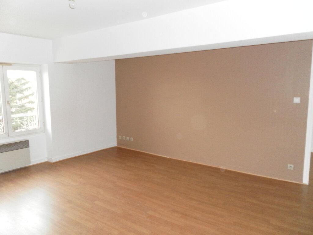 Appartement à louer 2 35.62m2 à Saint-Genis-Laval vignette-3