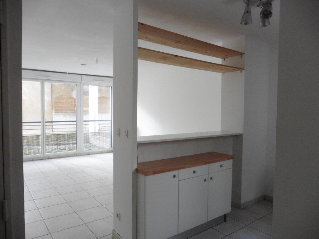 Appartement à louer 3 55.56m2 à Oullins vignette-3