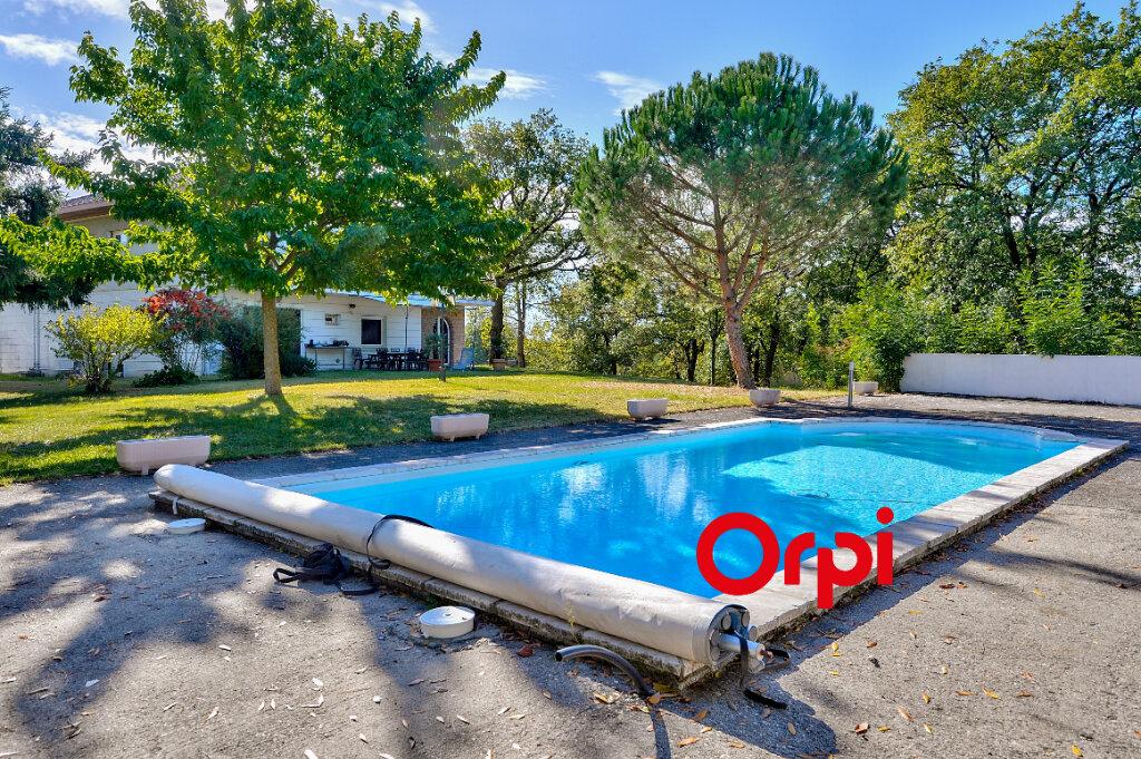 Maison à vendre 8 200m2 à Saint-Genis-Laval vignette-1